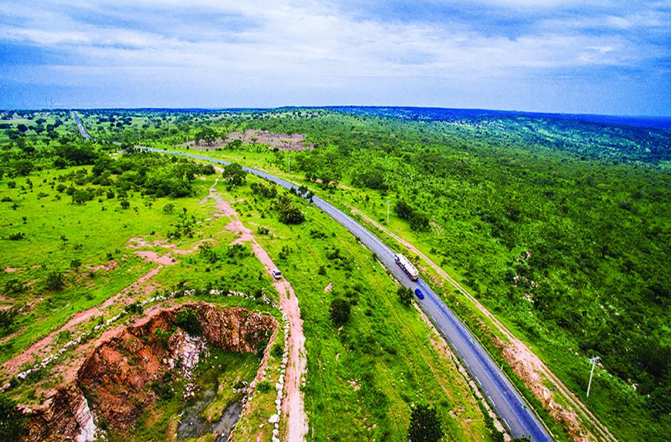 Rodrigue Ako - Avec la réalisation de la route Natitingou-Boukoumbé-Korontière, rallier la région touristique des Tatas Sombas est désormais très aisé.