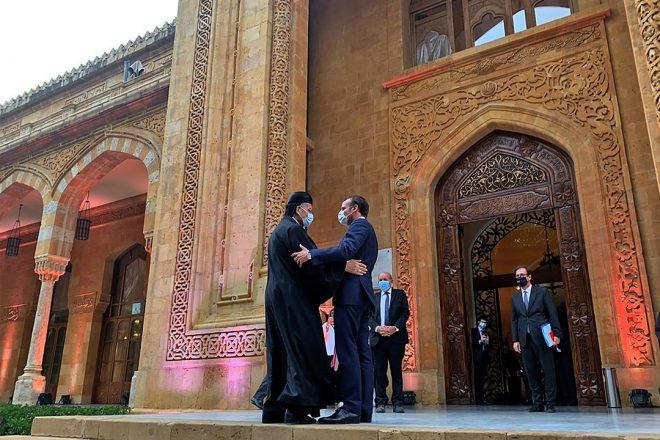 Le cardinal maronite Rahi lors de sa rencontre avec le président français Emmanuel Macron à Beyrouth le 1er septembre 2020.