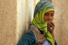 Une jeune fille de la communauté Akhdam, dans un bidonville de Sanaa, au Yémen, en mars 2012.