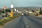 Vue d'une rue d'Accra, capitale du Ghana. Image d'illustration.
