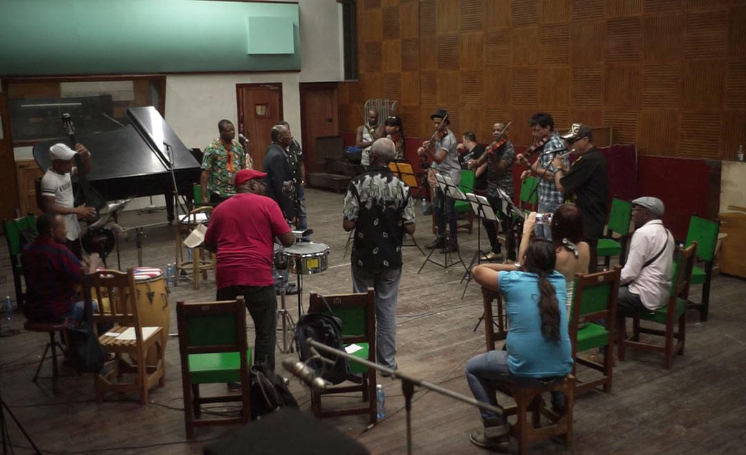 Richard Minier réussira à retourner à Cuba en 2016 avec Boncana Maïga, qui pourra alors enregistrer avec un orchestre cubain de nouvelles versions des morceaux de son groupe des années 1960. Un grand moment d'émotion.