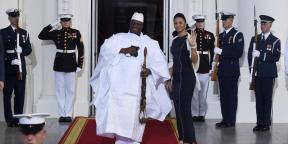 Yahya Jammeh et son épouse, Zineb, à la Maison Blanche, à Washington le 5 août 2014.