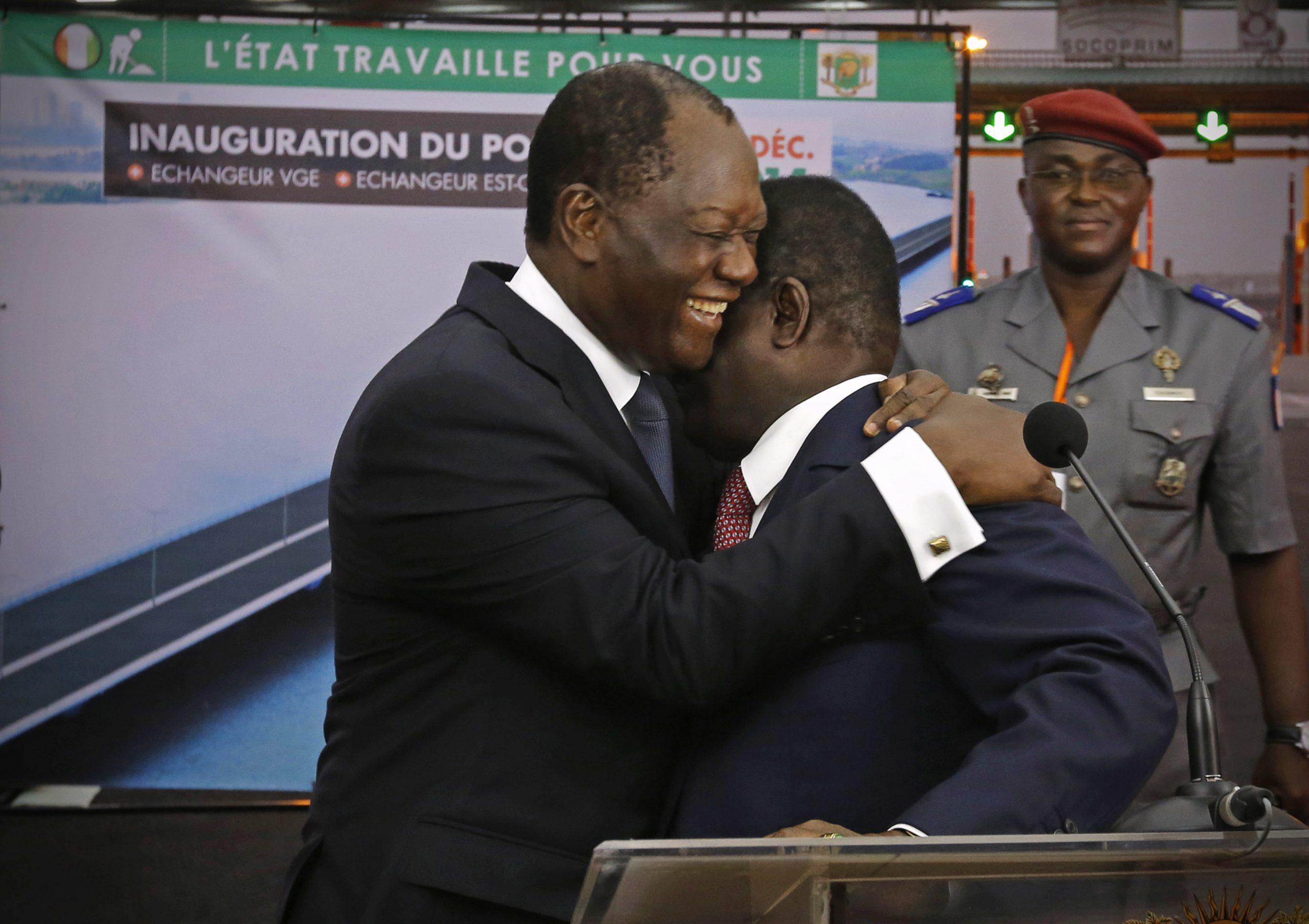Alassane Ouattara et Henri Konan Bédié, à Abidjan, le 16 décembre 2014.