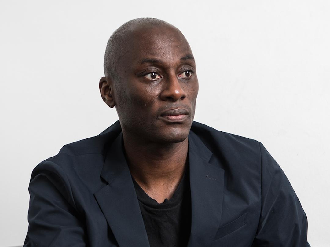Ekow Eshun est un commissaire d'exposition, auteur et journaliste britannique