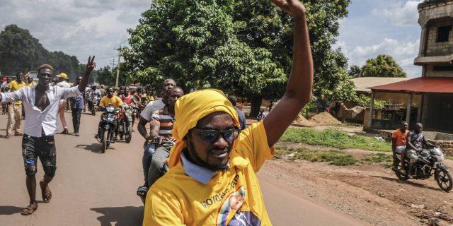 Présidentielle en Guinée : qui séduira l'électorat de Sidya Touré et Dadis Camara?