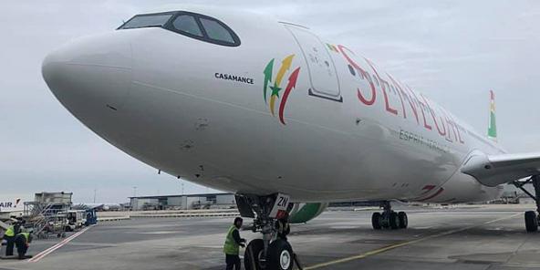 """Air Sénégal a repris ses vols """"spéciaux"""" vers Paris, Marseille, Barcelone et assure aussi Milan et Casablanca."""