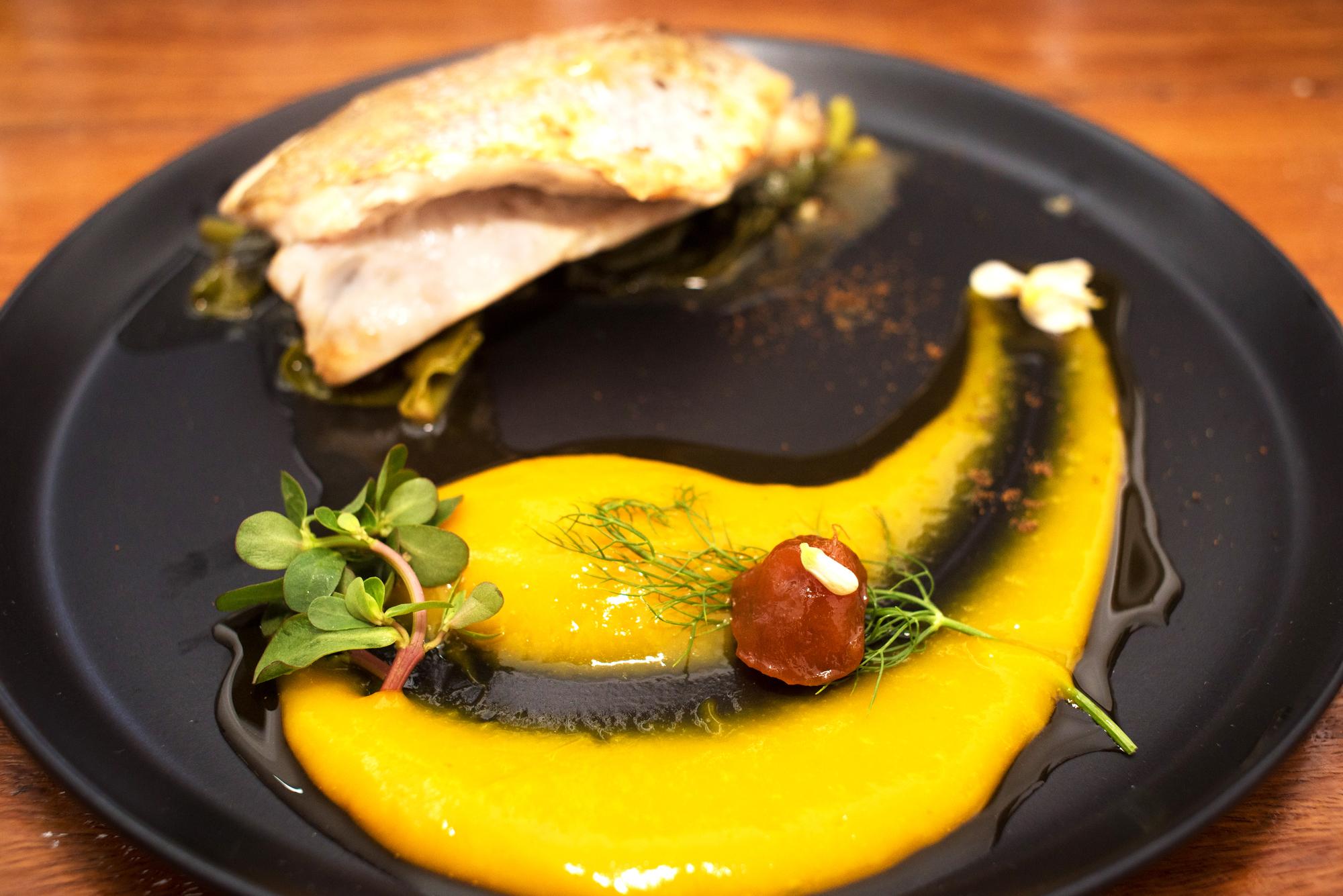 Au menu, des produits locaux cuisinés différemment, comme la truite du Sine-Saloum et le zébu.