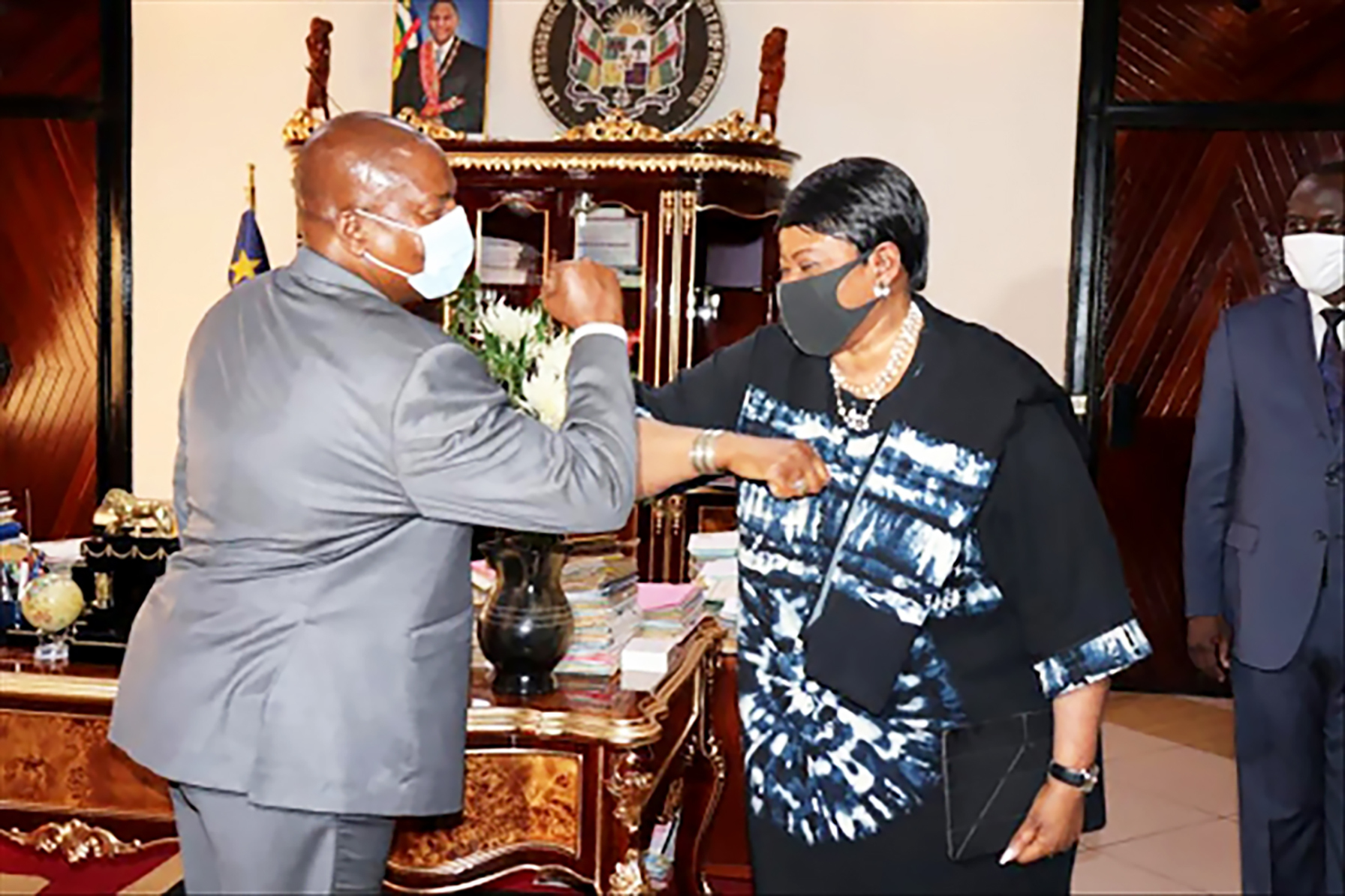 Avec le président centrafricain Faustin-Archange Touadéra, à Bangui, le 29septembre.
