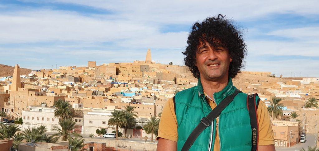 Karim Tedjani rassemble sur son site activistes écologistes et scientifiques pour dénoncer la pollution.