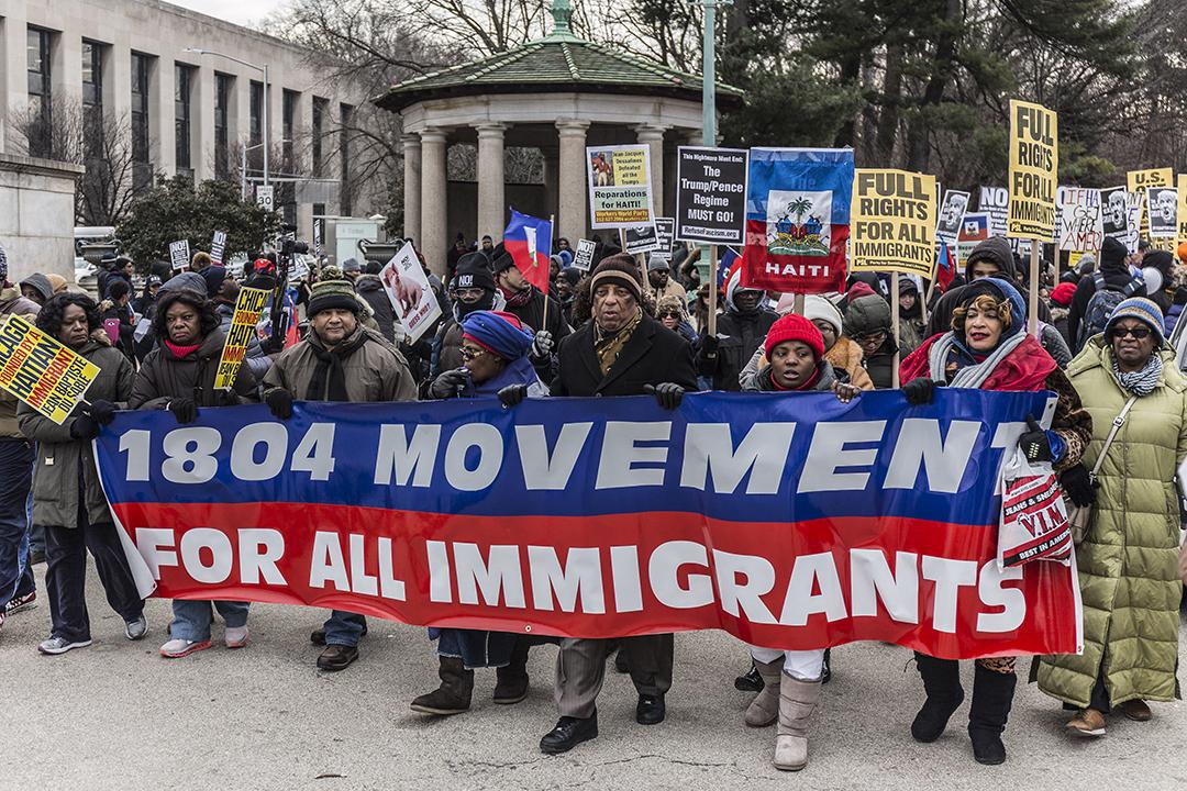Le 19 janvier 2018, la communauté haïtienne et des associations solidaires ont descendu Flatbush Avenue et traversé le Brooklyn Bridge, à New York, pour finir devant le Trump Building dans le quartier de Wall Street.