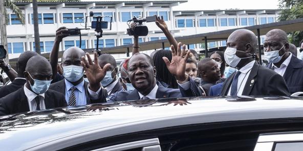 Alassane Ouattara, après avoir voté le 31 octobre 2020, à Abidjan.