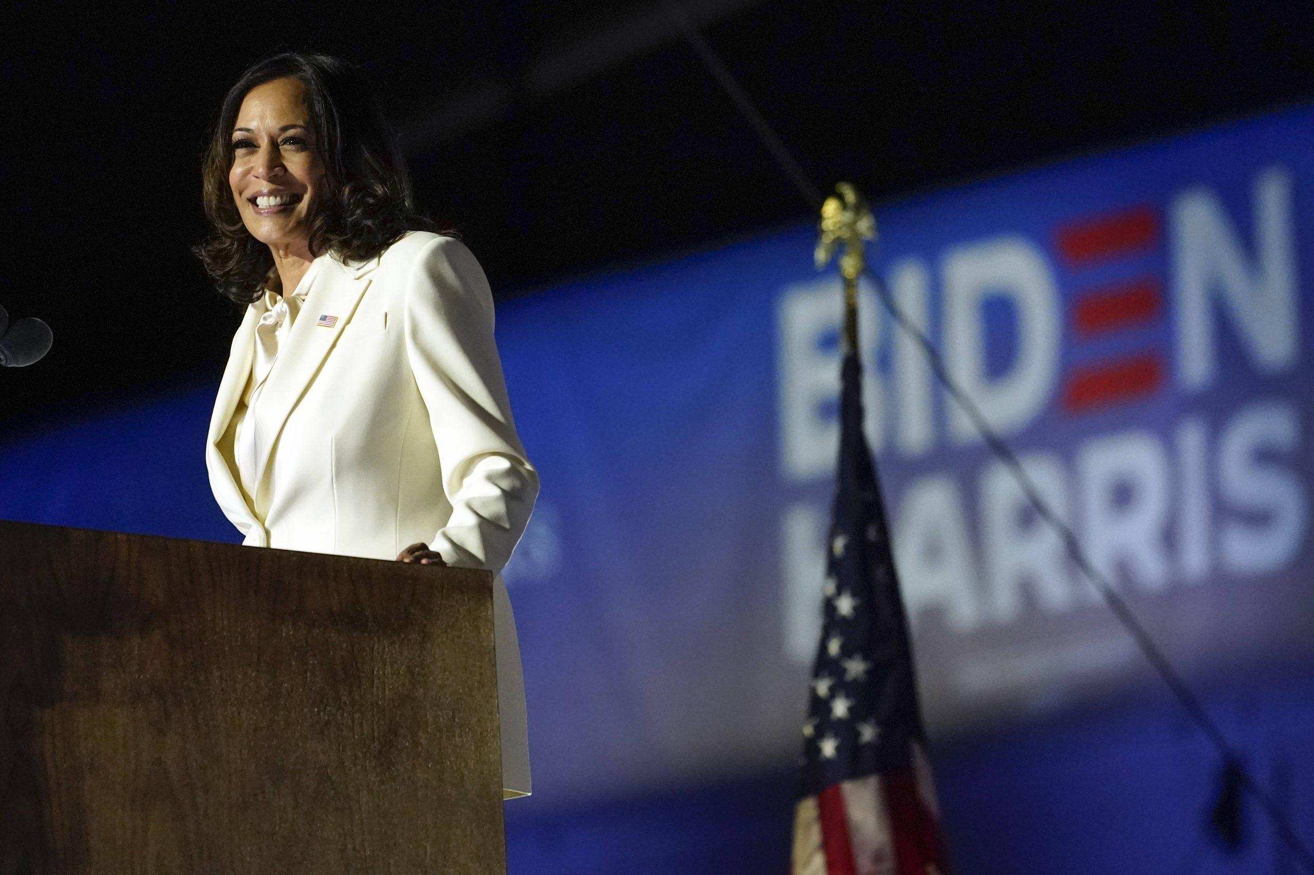 La vice-présidente élue, Kamala Harris, délivre un discours après l'élection de Joe Biden à la présidentielle américaine, le 7 novembre 2020.