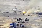 Les miliciens du Polisario quittent la zone après avoir incendié leur campement.