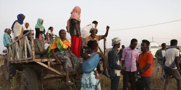 Des Éthiopiens ayant fui les combats dans le Tigré pour se réfugier au Soudan, le 15 novembre 2020.