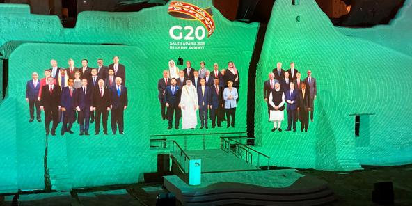Photo de famille à la réunion du G20 du 20 novembre.