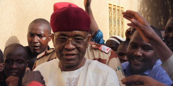 Mamadou Tandja, ici en mai 2011 à Niamey après sa remise en liberté, est décédé le 24 novembre 2020 à l'âge de 82 ans.