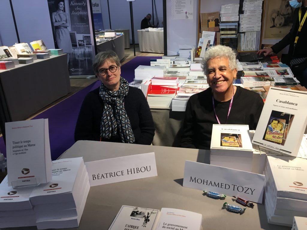 Chercheurs en sciences politiques, Béatrice Hibou et Mohamed Tozy ont co-écrit ensemble plusieurs ouvrages.