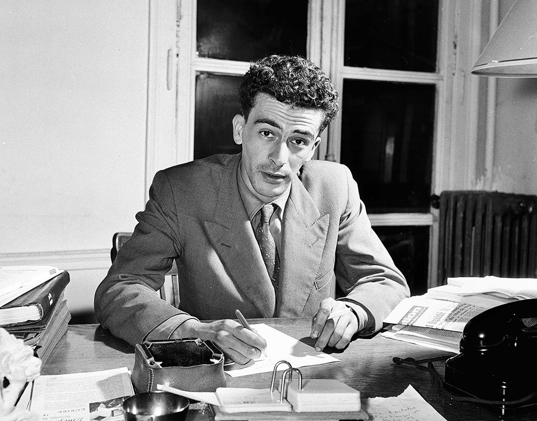 L'écrivain algerien Kateb Yacine, vers 1965