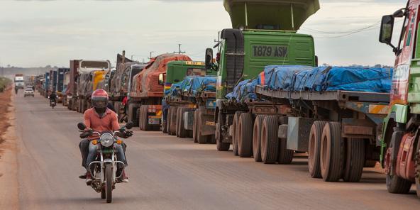 Des camions bloqués à la frontière entre la Zambie et la RDC.