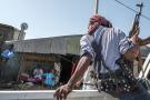 Un milicien amhara en route vers la ligne de front face aux Tigréens du TPLF, le 21 novembre à Mai Kadra.