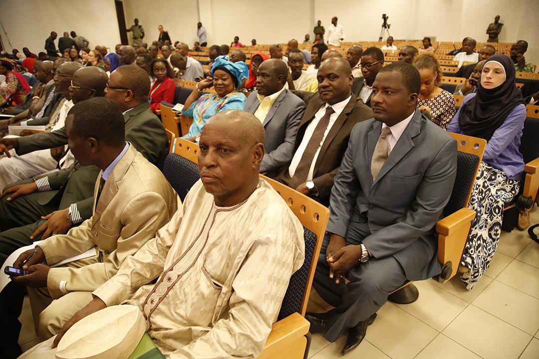 Des victimes et parents de victimes d'Hissène Habré, lors du procès du président tchadien en juillet 2015 devant les Chambres africaines extraordinaires, à Dakar.