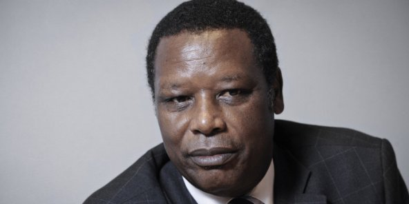 Pierre Buyoya, l'ancien président du Burundi – ici en 2012 à Paris – , est décédé le 17 décembre 2020.