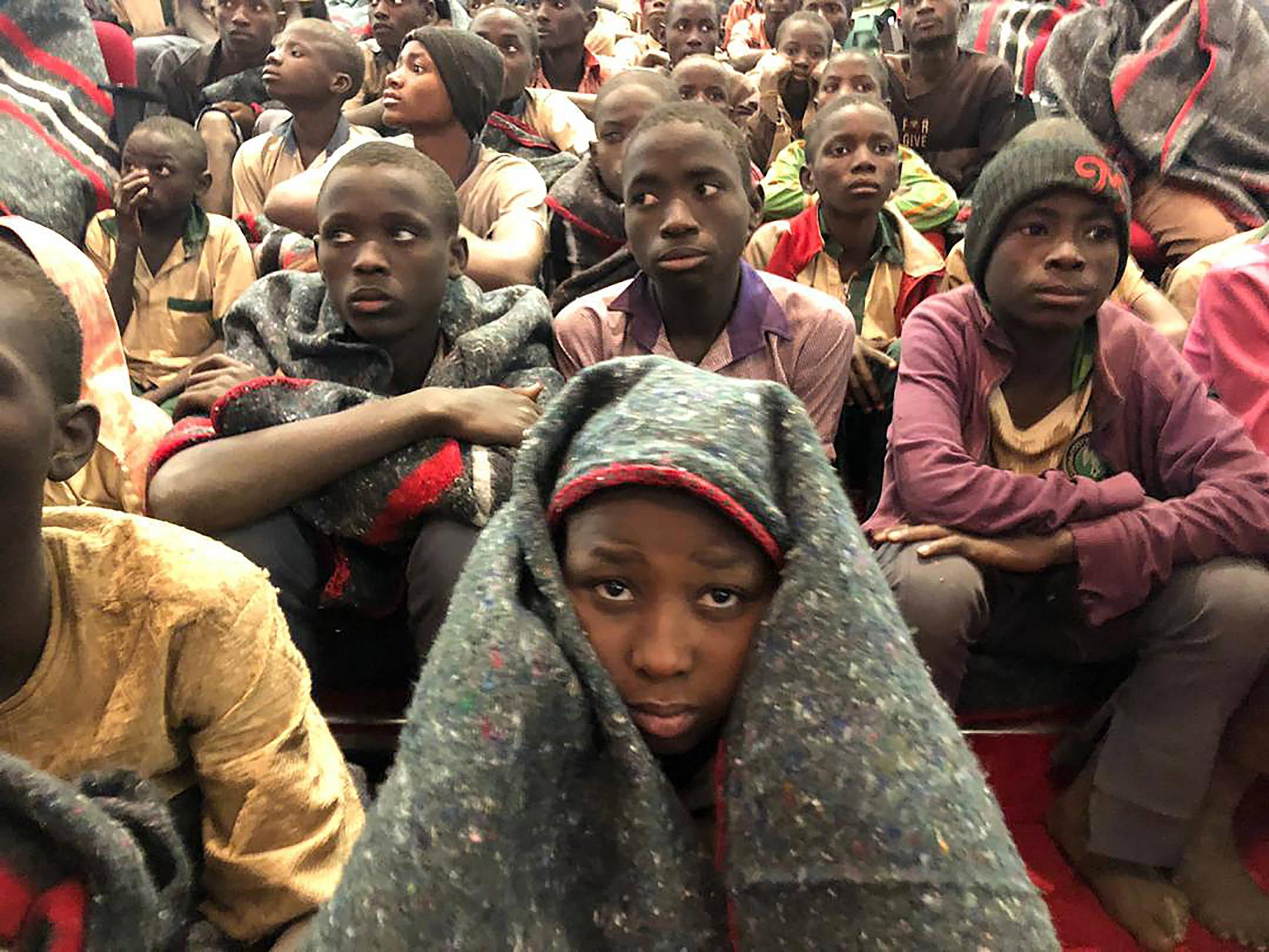 Quelques uns des 300 élèves nigérians libérés le 17 décembre, après avoir été enlevés par Boko Haram une semaine auparavant.
