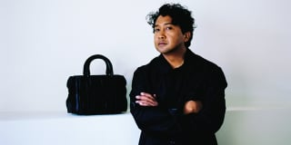 L'artiste malgache Joël Andrianomearisoa.
