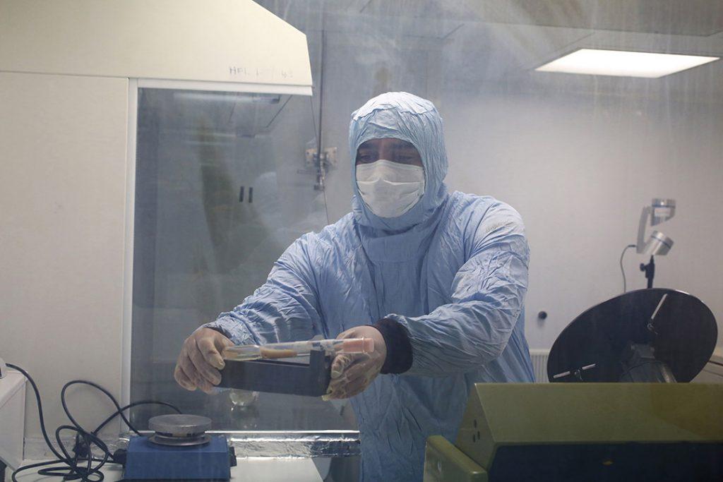 Laboratoire P3, à l'Institut Pasteur de Tunis, le 9 avril 2020.