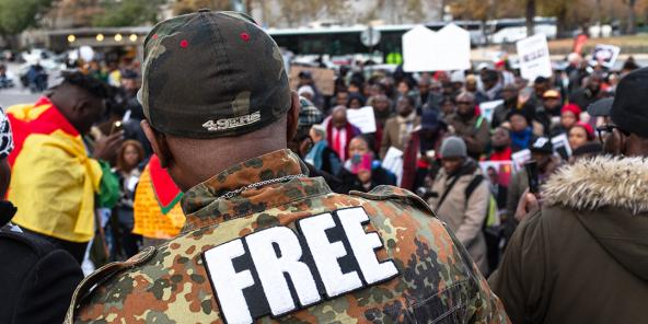 Manifestation des opposants au président camerounais Paul Biya à Paris, en octobre 2018.