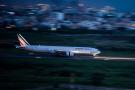 Un appareil Air France vu depuis la tour de contrôle de l'aéroport LSS à Dakar.