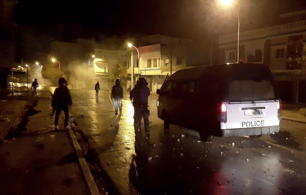 Des dizaines de jeunes ont été arrêtés après des troubles nocturnes à Tunis et dans d'autres villes du pays, les 16 et 17 janvier 2021.