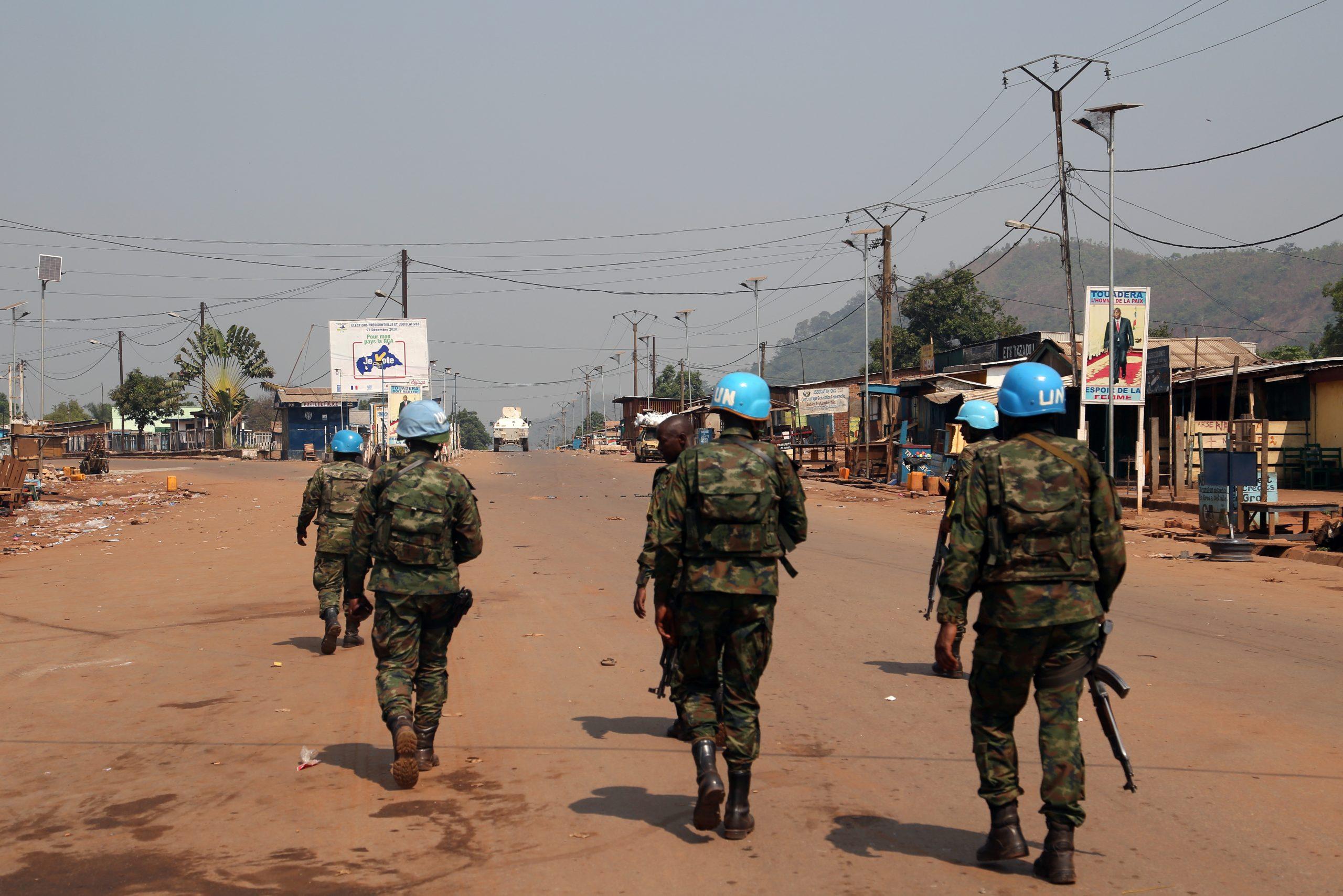 Une patrouille de la Minusca à Bangui, le 13 janvier, quelques heures après la tentative d'incursion menée par les rebelles de la CPC.