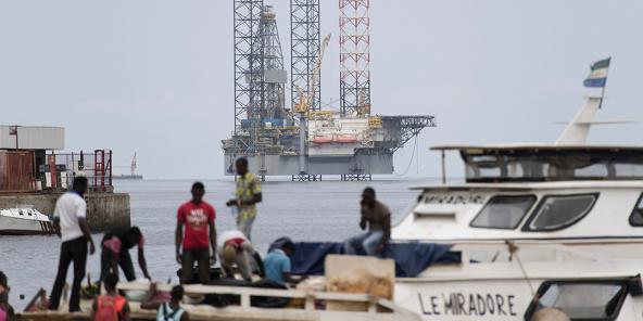 Une plateforme pétrolière au large de Port-Gentil.