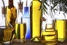 Bouteilles et carafes d'huile d'olive divers