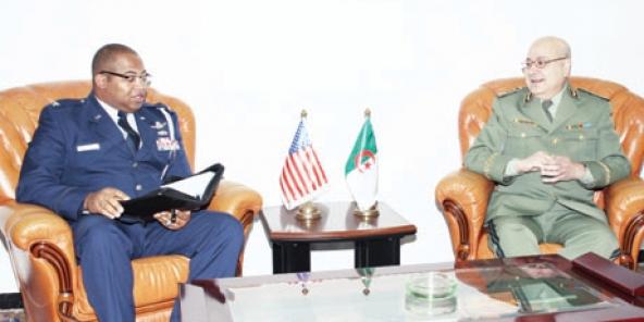 Nour-Eddine Mekri, dit «Mahfoud» (à droite).