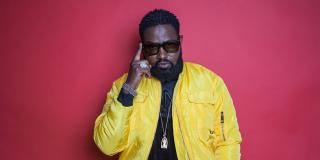 Le chanteur congolais Ferré Gola à Paris, pour la promotion de son nouvel album, en février 2021.