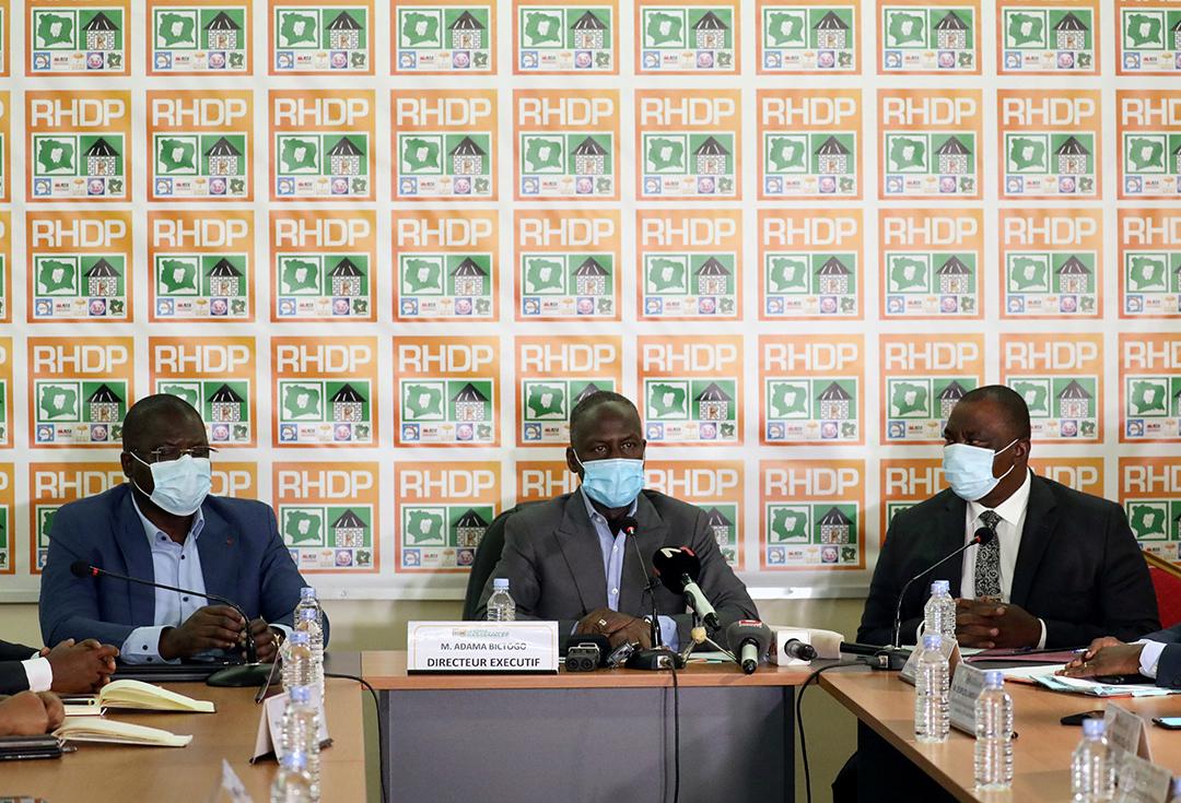 Adama Bictogo, le secrétaire exécutif et chef d'orchestre du RHDP, lors d'un meeting à Abidjan, le 9 juillet 2020.