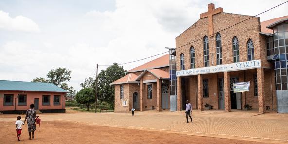 A Nyamata, à 35km au sud de Kigali. Le 15 avril 1994, plus de 5000 personnes y ont été assassinées