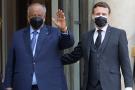 Ismaïl Omar Guelleh et Emmanuel Macron, le 12 février à l'Elysée.