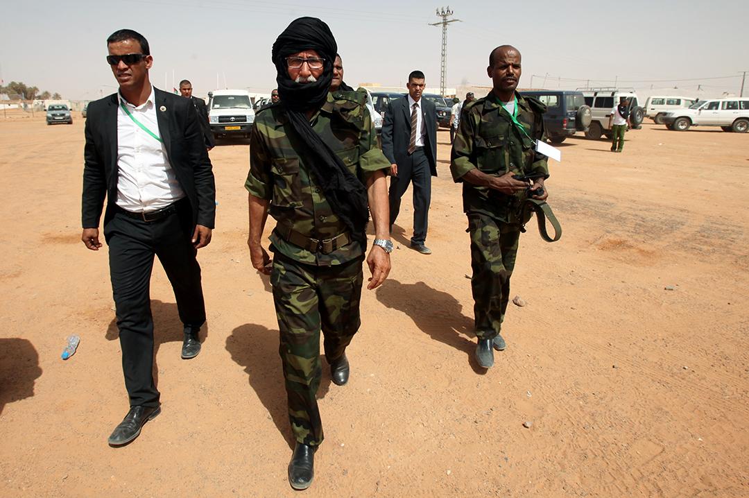 Brahim Ghali (au centre), secrétaire général du Front Polisario et président de la RASD, dans le camp de réfugiés de Dakhla, non loin de Tindouf, le 9 juillet 2016.