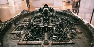 «Kumbi Saleh 3020CE», œuvre de Ekow Nimako, au musée de Toronto