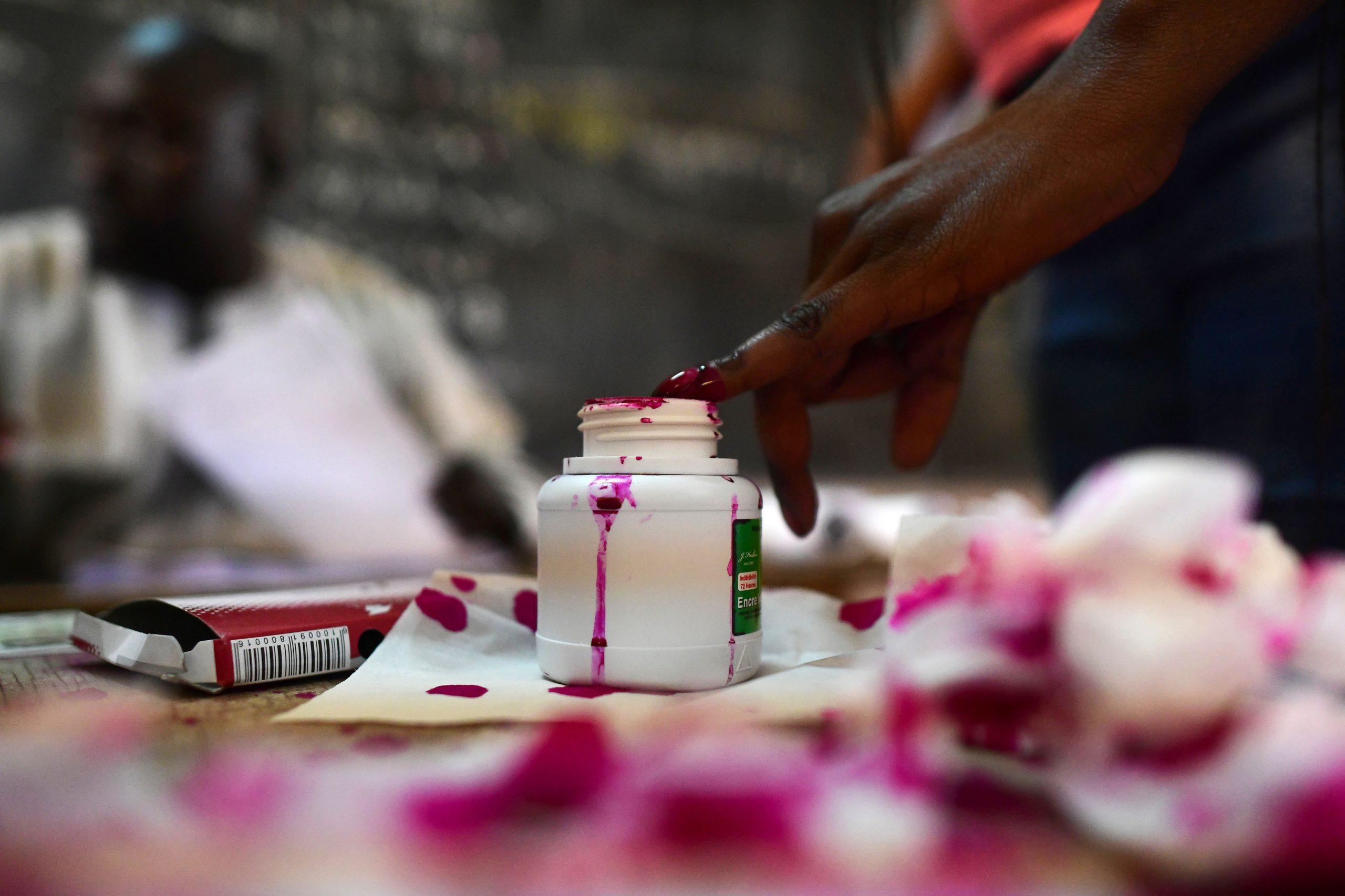 Dans un bureau de vote de Dakar, lors de la présidentielle de 2019 (illustration).