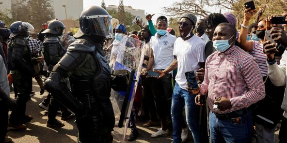 Des affrontements ont éclaté entre forces de l'ordre et partisans d'Ousmane Sonko, le 3 mars 2021 à Dakar.