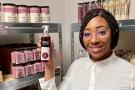 Bineta Sy s'est lancée dans l'aventure Kwenda en parallèle de son métier de responsable RH dans le secteur des transports.