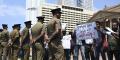 Des membres du Mouvement pour l'égalité des droits rassemblés devant le Secrétariat présidentiel à Colombo le 11 février 2020 demandent des certificats de décès pour les personnes disparues pendant la guerre civile au Sri Lanka.