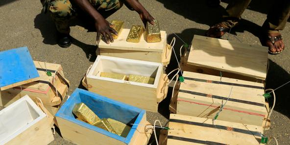 Saisie de lingots d'or à Khartoum, au Soudan, en mai 2019.