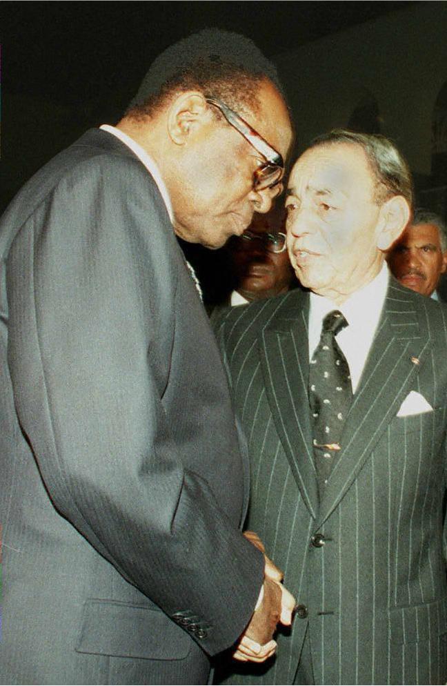 Le roi Hassan II du Maroc s'entretient avec le président zaïrois Mobutu Sese Seko.