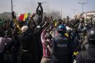 Des manifestants font face aux forces de l'ordre, le 8 mars à Dakar.