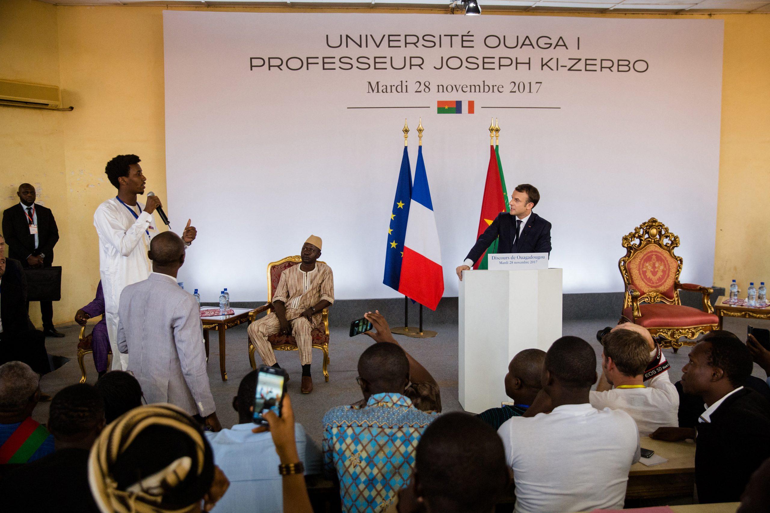 Emmanuel Macron à l'université de Ouagadougou, Burkina Faso, le 28 novembre 2017.